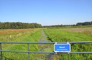 Het riviertje De Reusel ontspringt ten zuidwesten van het dorp Reusel. Op de foto kijk je richting Moergestel. (Foto: Paul Spapens)Het riviertje De Reusel ontspringt ten zuidwesten van het dorp Reusel. Op de foto kijk je richting Moergestel. (Foto: Paul Spapens)